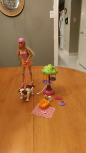 Rollerblading Barbie with Dog and Puppies