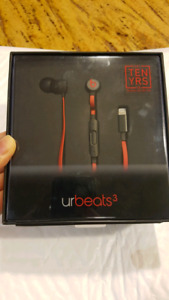 Beats by Dr. Dre urbeats3 with Lightning Connector