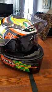 Agv k3 sv rossi elements  Size medium/small West Island Greater Montréal image 3