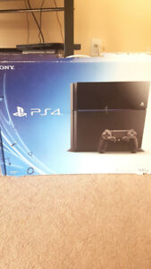 Ps4 with 1 Controller and 1 Game