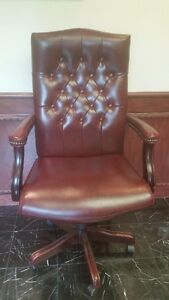 Button Tufted Boss Executive Office Chair