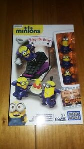 Mega Blocks Minions 69 PCS Despicable Me Vampire Surprise