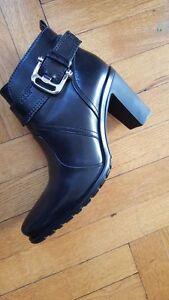 Geox Black Leather Boots - MINT! Windsor Region Ontario image 2