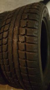 4 pneu d'hiver 235 55R 17 comme neuf