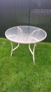 Table patio ronde