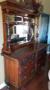 Priced to sell! Beautiful antique HUTCH
