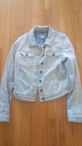 Guess jean jacket size medium