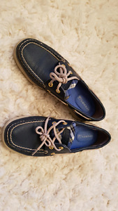 SPERRY SHOES size 5.5
