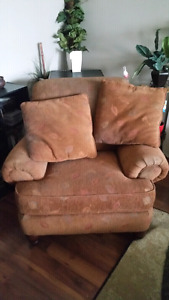 FREE PULLOUT COUCH, CHAIR AND MATCHING THROW PILLOWS