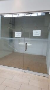 Shop unit in westwood mall available for Lease