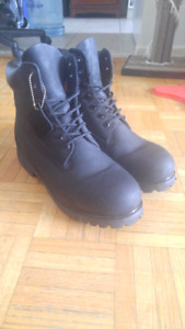 BRAND NEW Timberland boots - black mens classic boots size 10.5