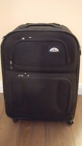 "SAMSONITE 28"" BLACK SOFT SIDE LUGGAGE"