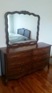 Solid Wood Bedroom Set /// Set Chambre Bois Massif