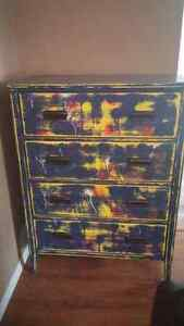 Distressed 4 drawer dresser