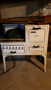 Antique Electric stove/oven - McClary