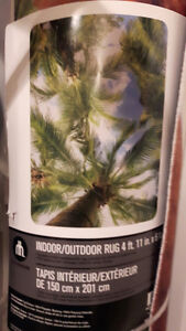 Brand New Indoor Outdoor 5x7 area rug great theme palm trees