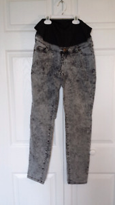 Thyme maternity jeans size S