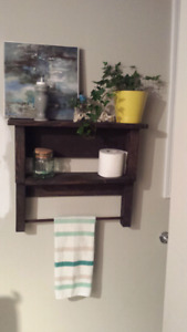Rastic bathroom towel rack shelf