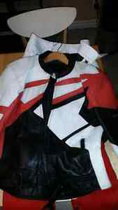 Two piece leather suit Stratford Kitchener Area image 3