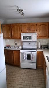 armoire de cuisine en chêne 8 modules négociable