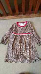 Size 2 girls lot of clothing Kitchener / Waterloo Kitchener Area image 8