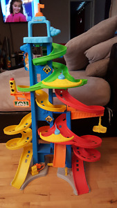 Fisher-Price Little People City Skyway with 2 cars