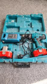 Spares or repairs Makita hammer drill 18v cordless