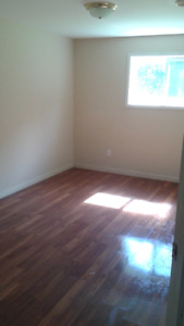 Large 6 Bdrm Duplex on Tripp Ave - Utilities Included!