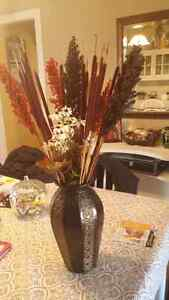 Vase with dried flowers Kitchener / Waterloo Kitchener Area image 1