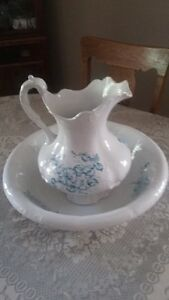 Antique Pitcher and Bowl Set London Ontario image 1