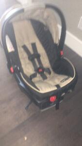 Graco Click Connect Snugride 35 car seat