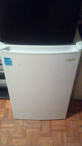 Mini stand up freezer with drawers
