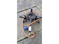 Butane powered free standing gas ring with regulator