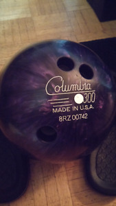 Columbia 300 Deep Purple 15 Pound Bowling Ball with Case