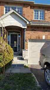 Great family home in Barrie's - 3 Bdr, 3 Washrm, Finished Bsmnt