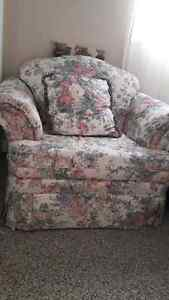 Couch, love seat and chair Peterborough Peterborough Area image 3