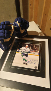 Authentic Autographed and Game Worm Gloves