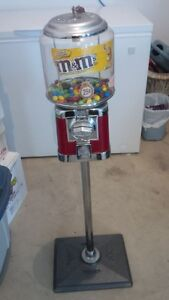 Beaver Candy Machine and stand