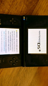 NINTENDO DSi SYSTEM WITH CHARGER