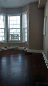 Must go immediatly - 1 bedroom close to all ammenities