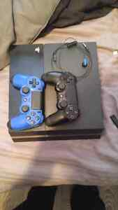 Perfect Condition PS4 + 2 controllers