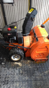2 stage Columbia Snow Blower / Soufleuse