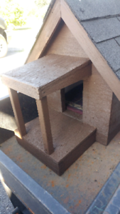 Dog house, insulated