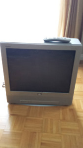 RCA Flat Screen 27 inch TV