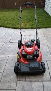 TROY-BILT SELF PROPELLED MOWER