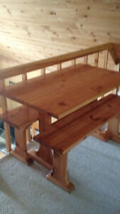 PINE TRESEL TABLE WITH BENCHES