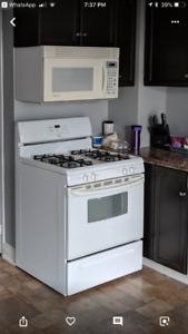 White, natural gas stove