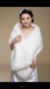 Fur shawls for wedding dress