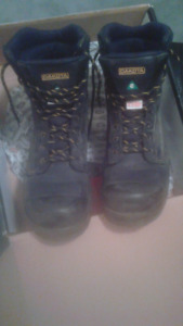 Size 12 Dakota steel toe boots