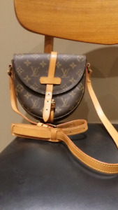 Authentic Louis Vuitton small handbag